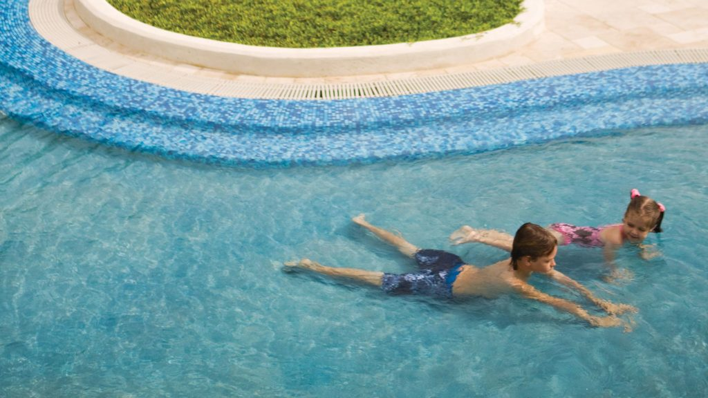 7 Must-Haves for a Family Friendly Resort